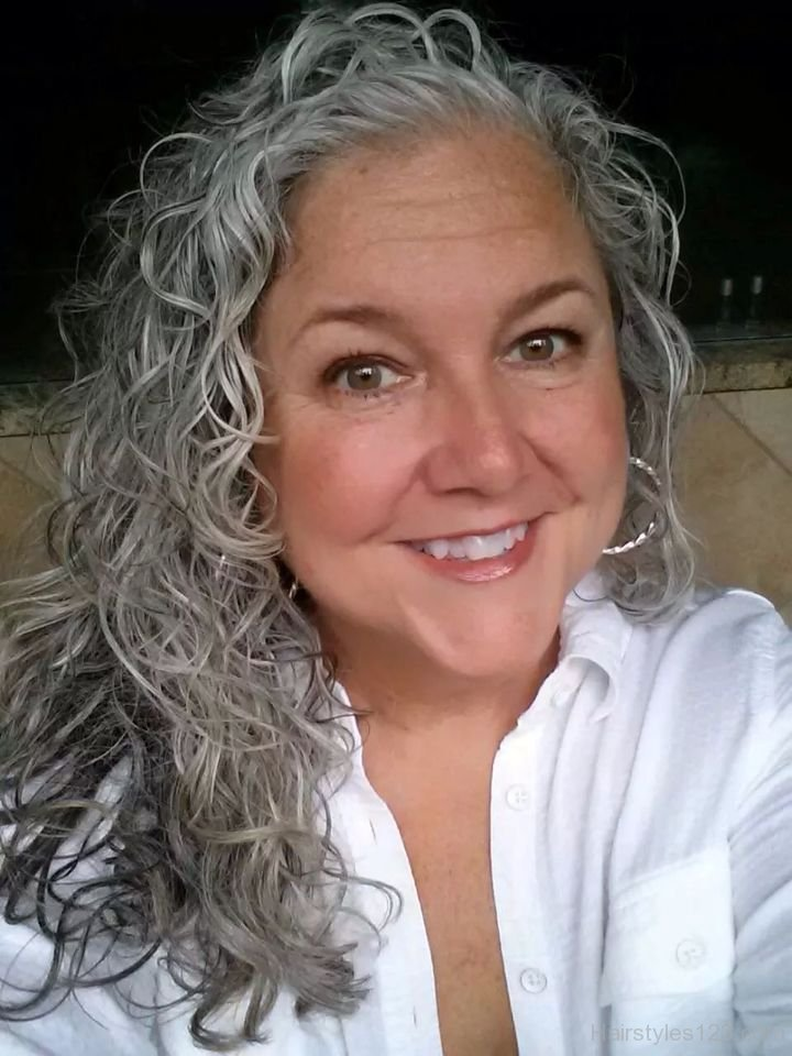 wavy gray hair styles medium curly grey hairstyles hairstyles 3673